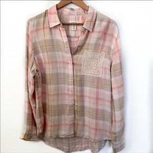 Westbound pink plaid crochet button up Large